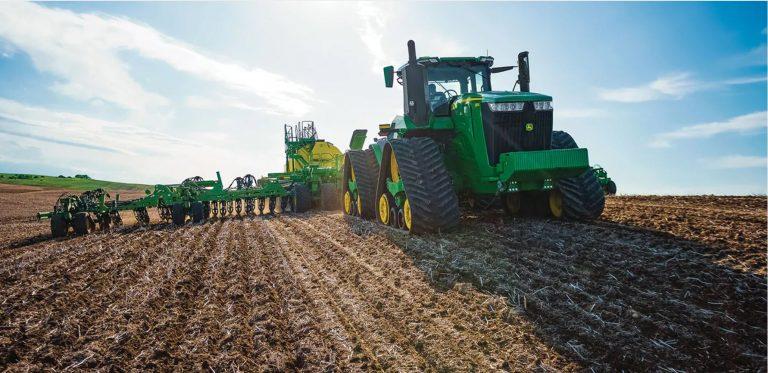 John Deere 9 series tractor